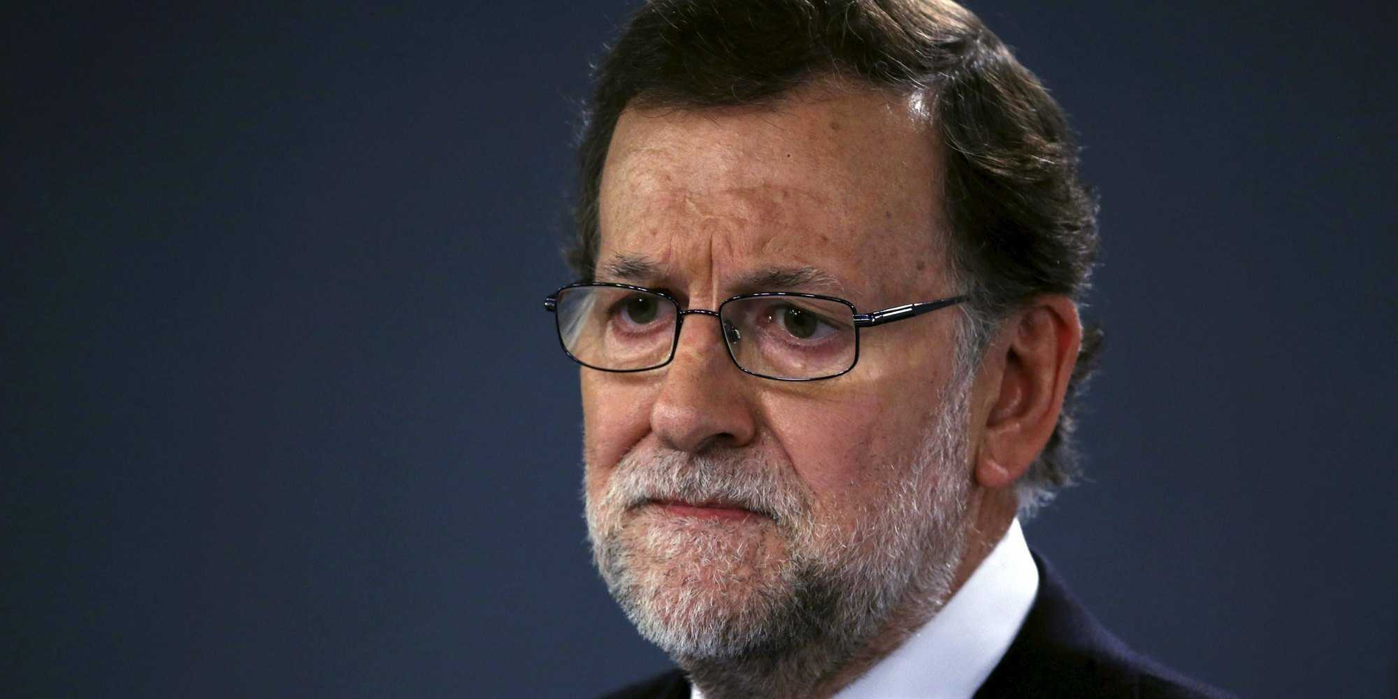 Spain's acting Prime Minister Mariano Rajoy is seen during a news conference after a cabinet meeting at Moncloa Palace in Madrid, Spain, in this December 29, 2015 file photo. To match SPAIN-ECONOMY/ REUTERS/Juan Medina/Files